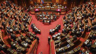 Avrupa Birliği Covid-19 kurtarma fonundan en büyük payı alan İtalya'da parlamento, hükümetin sunduğu kaynak kullanım planını onayladı.