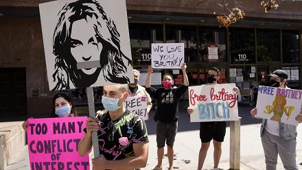 Britney Spears fans shave heads during protest to call for end of her conservatorship