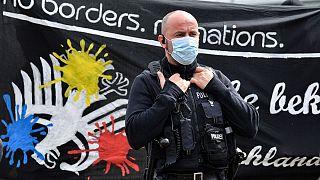 پلیس آلمان در مقابل معترضان به محدویتهای کرونایی در شهر کلن