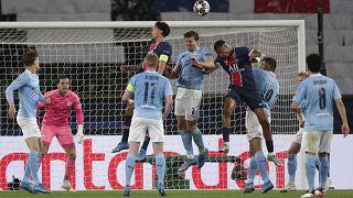 مباراة الذهاب في نصف نهائي دوري أبطال أوروبا لكرة القدم بين باريس سان جيرمان ومانشستر سيتي في ملعب بارك دي برينس في باريس- فرنسا.