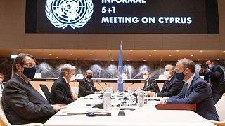Φωτό από την άτυπη πενταμερή για το Κυπριακό