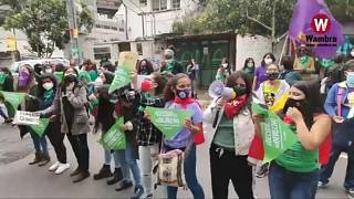 Manifestación a favor de la despenalización del aborto en Ecuador