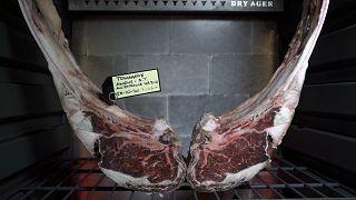 Изысканный вкус говядины сухого вызревания