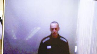 Captura de la video llamada con Alexei Navalni durante el juicio.