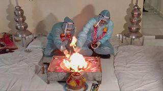 زفاف في الهند ضمن إجراءات الحد من انتشار كوفيد-19