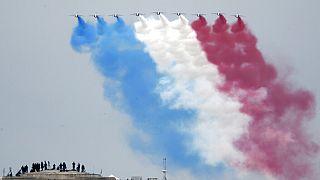 Patrouille de France - Armeeflugzeuge in Paris am 14. Juli 2020