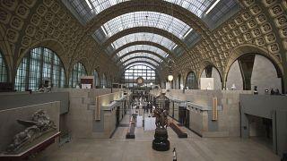 ویدئو؛ اجرای ارکستر پاریس برای مجسمههای موزه اورسی