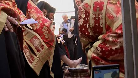 Greek-Orthodox Patriarch performs 'washing of the feet' in Jerusalem