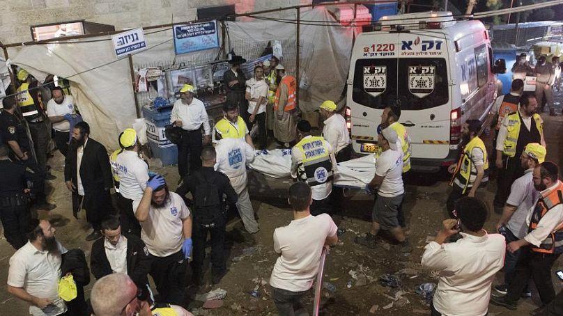euronews سقوط 44 قتيلاً على الأقلّ وعشرات الجرحى في تدافع ضخم خلال حجّ يهودي بإسرائيل