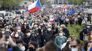 """Les Tchèques en colère contre le président Milos Zeman accusé d'être une """"marionnette"""" de la Russie"""