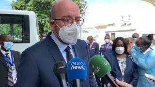 Charles Michel visita centro de vacinação em Luanda