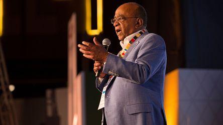 """Mo Ibrahim : """"Le progrès, les jeunes et la paix sont les clés de l'avenir pour l'Afrique"""""""