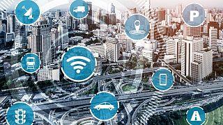 الحوسبة وتكنولوجيا المعلومات،  وأمن الكمبيوتر والبيانات ، وتكنولوجيا الإنترنت، والسلامة على الإنترنت.