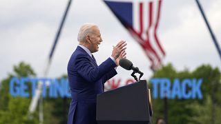 الرئيس الأمريكي جو بايدن، في خطابه ليومه المئة في المنصب الرئاسي في ولاية جورجيا الأمريكية.