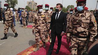 وصول الرئيس الفرنسي إيمانويل ماكرون إلى نجامينا  لحضور الجنازة الرسمية للرئيس التشادي الراحل إدريس ديبي.