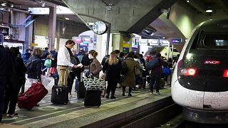 البرلمان الأوروبي يعتمد لوائح منظّمة لتعويض إلغاء رحلات القطارأو تأخيرها