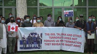 المترجمون الأفغان الذين عملوا مع الجيش الأمريكي يعبرون عن خوفهم من استهدافهم من قبل طالبان بعد انسحاب القوات الأمريكية من أفغانستان.