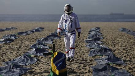 NGO stages burial to protest Brazil's COVID deaths