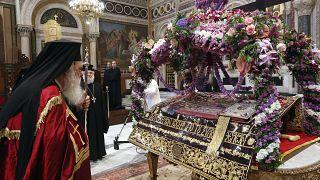 Η Ακολουθία του Επιταφίου χοροστατούντος του Αρχιεπισκόπου Ιερωνυμου στον Μητροπολιτικό Ναό Αθηνών, Μεγάλη Παρασκευή 30 Απριλίου 2021.
