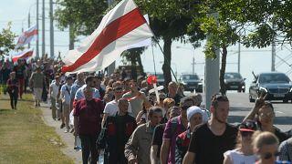 Sztrájkoló dolgozók felvonulása Minszkben 2020. augusztus 17-én
