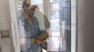 Hűtőbe teszik az AstraZeneca koronavírus elleni oltóanyagokat Kaposváron