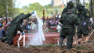 Rusya'da son bir yılda fazladan ölüm sayısı rekor kırarak 400 bini aştı