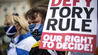 Scottish independence and pro-Union rallies take place in Glasgow
