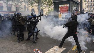 Paris'te 1 Mayıs gösterileri