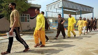 صورة أرشيفية لسجناء في العراق