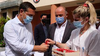 Ο Αλέξης Τσίπρας στο Λαϊκό Νοσοκομείο