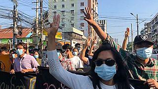 Myanmar'daki cunta yönetimine karşı gösterilerde 7 kişi daha hayatını kaybetti