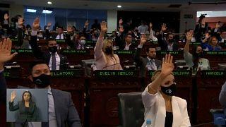 Momento de la votación en la Asamblea Legislativa
