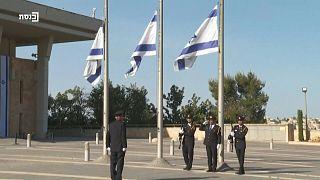 حداد وتنكيس للأعلام حزنا على ضحايا تدافع جبل ميرون في إسرائيل