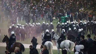 برخورد پلیس بلژیک با معرتضان به محدودیتهای کرونایی