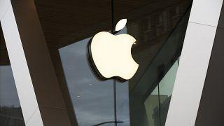 l'ingresso di un negozio Apple a Brooklyn, New York
