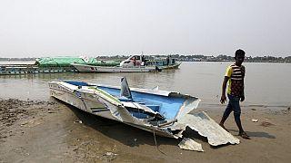 A balesetben megsérült hajó maradványai