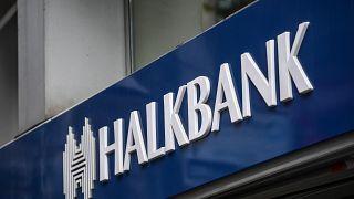 Halkbank, İran'a yönelik yaptırımları deldiği iddiasıyla New York Güney Bölgesi Federal Mahkemesi'nde yargılanıyor.
