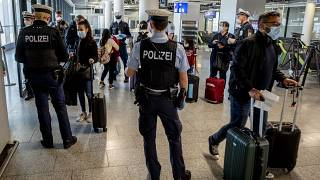 Bruxelles recommande aux 27 d'autoriser l'entrée des voyageurs étrangers vaccinés