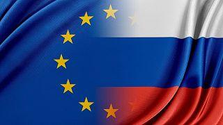 پرچمهای روسیه و اتحادیه اروپا