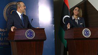 نجلاء المنقوش وزيرة الخارجية الليبية ونظيرها التركي مولود جاووش أوغلو في طرابلس، 3 مايو 2021