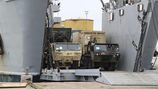 إنزال لأليات عسكرية أمريكية في ألبانيا كجزء من تدريبات لحلف الناتو