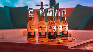"Бутылки пива ""Corona""."