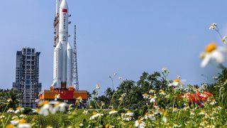 """Eine Rakete der Bauart """"Langer Marsch 5B"""""""