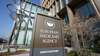 Avrupa İlaç Ajansı, Türkiye'de de kullanılan Çin aşısının ön değerlendirme sürecini başlattı