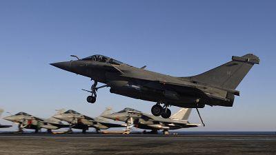L'Egypte commande 30 avions de combat Rafale à la France