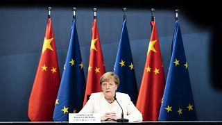 المستشارة الألمانية أنغيلا ميركل خلال قمة أوروبية-صينية