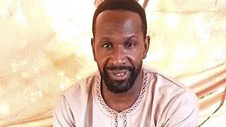 لقطة من الفيديو الصحفي الفرنسي المخطوف أوليفييه دوبوا