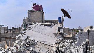 Egy április 22-i izraeli támadásban megsérült szír épület