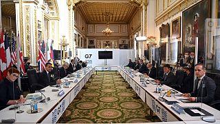 نشست حضوری گروه ۷ در کاخ لنکستر لندن با فاصلهگذاری میان شرکتکنندگان
