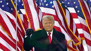 Donald Trump 2021 januárjában Washingtonban híveihez beszél.